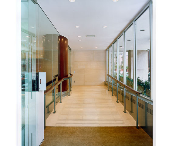interior design and lobby remodel for multifamily housing by Gran Kriegel Architects in NYC