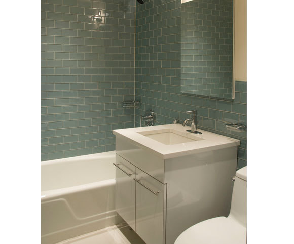 apartment bathroom interior design project for developers in NYC by Gran Kriegel Architects